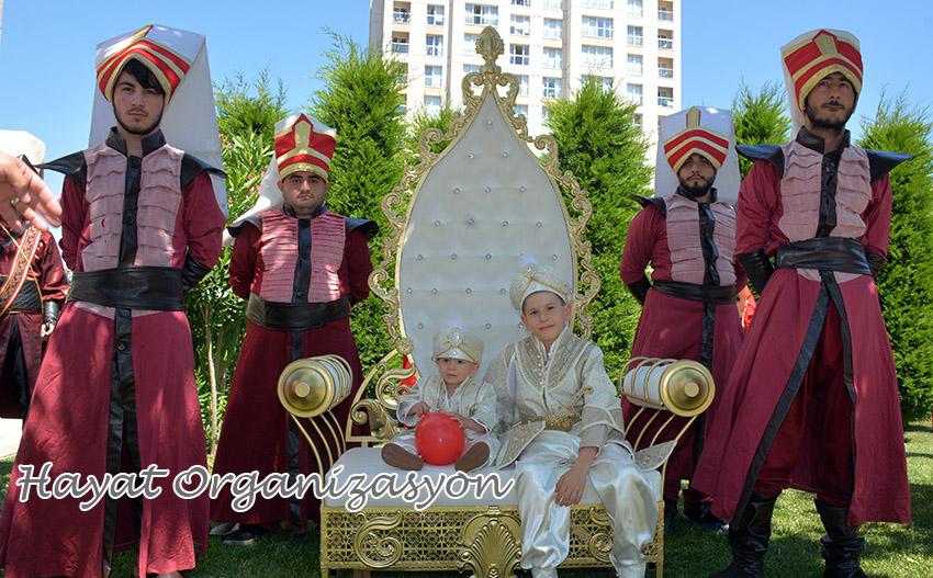 sünnet düğünü koltuğu modelleri